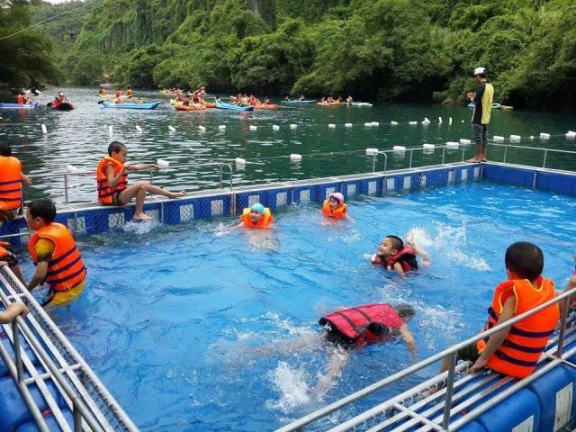 cần sử dụng đồ bịt tai chống ồn khi bơi không