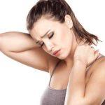 trị chứng đau mỏi vai gáy với gối chữ u kê cổ cao su non