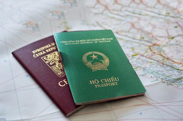 hộ chiếu trong thủ tục làm visa đi áo