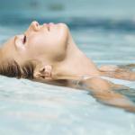 bịt tai chống nước khi bơi