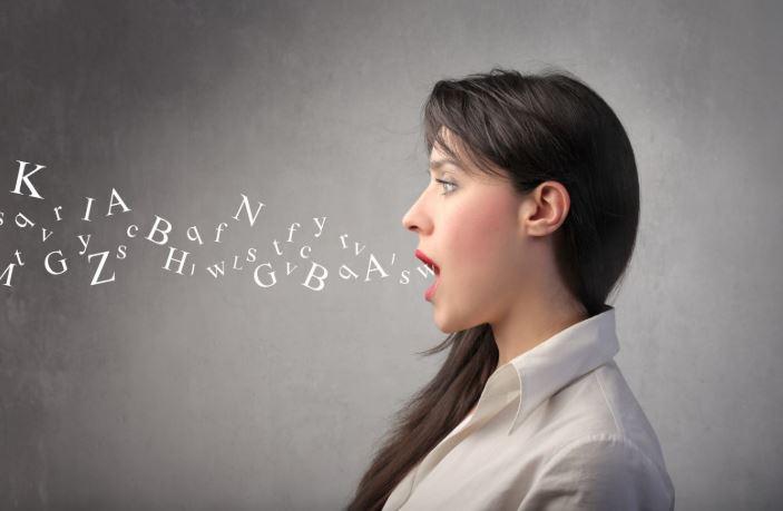 tiếng ồn khi nói chuyện